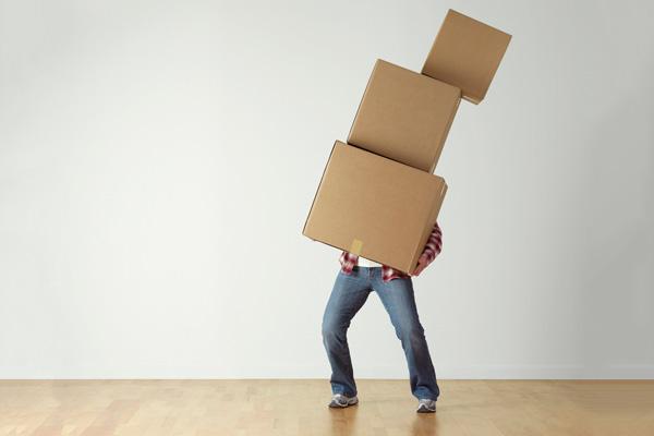 organizar cajas en una mudanza